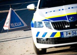 Triletni otrok padel skozi okno bloka v Lendavi