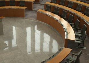 Koalicija pripravila predlog novega razreza v delovnih telesih DZ