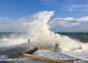 Zaradi močnih nalivov in vetra izdana oranžno in rumeno opozorilo, na hrvaški ...