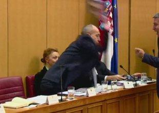 Minister ponorel, posredovati je moral celo Plenković
