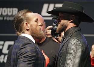 Po več kot enem letu se v oktagon vrača razvpiti Conor McGregor