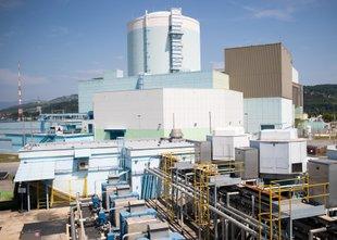 Elektrarno za pet milijard evrov bi gradili deset let, sodelovalo bi 25.000 ...