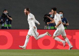 Real iz škripcev spet potegnil Ramos: 11-metrovka za +4 pred Barco