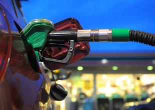 Zakaj kljub obljubam, da bo liberalizacija koristna, točimo dražje gorivo?