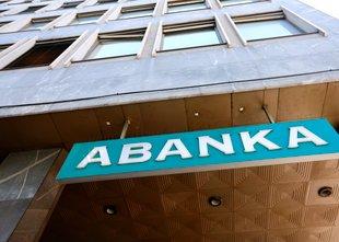 Razlaščena kupca obveznic Abanke bosta dobila povrnjen milijon z obrestmi