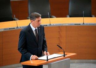 Pahor stranke poziva k sodelovanju, opozicija: Realna politika ni Instagram