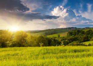 Daljšega obdobja stabilnega in vročega vremena še ni na vidiku