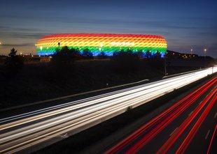 Bo münchenski stadion pred tekmo z Madžarsko zasvetil v mavričnih barvah?