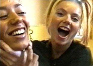 Mel B razkrila, da je bila spolno aktivna s sočlanico skupine Spice Girls