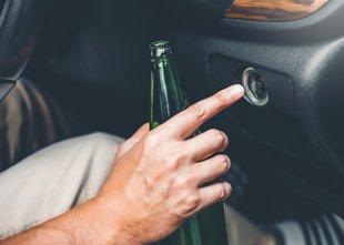 Zakaj se pijanim voznikom ni treba bati odvzema vozniškega dovoljenja?