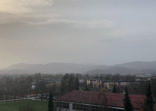 Večji del Evrope zajel oblak saharskega prahu