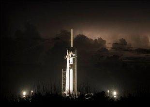 Bo zgodovinska izstrelitev človeške posadke s plovilom Space X tokrat uspela?