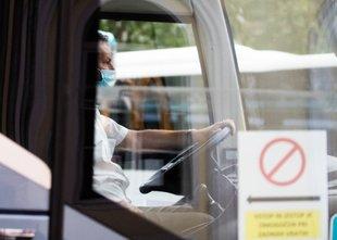 Zmeda na ministrstvih: bodo morali turistični avtobusi še nekaj časa ostati na ...