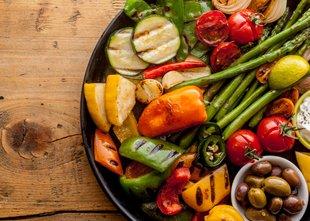 V Sloveniji zelenjava vse pogosteje na krožnikih, pojemo je več, kot je ...