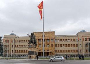 Makedonski poslanci za spremembo imena v Severno Makedonijo