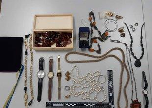 Našli ukradene predmete: če jih prepoznate, se javite policiji