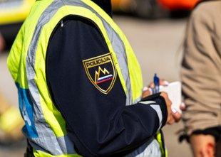 Policistka in policist preprečila širjenje požara