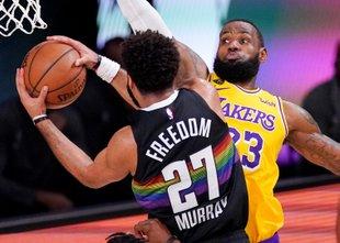 Lakerse le še zmaga loči od velikega finala, poškodba Davisa