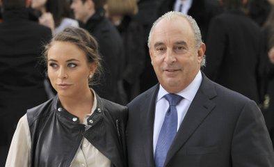 Chloe in njen bogati oče Philip Green