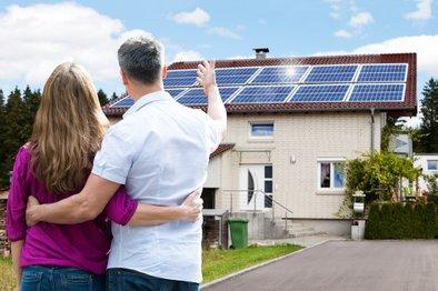 Investicija v lastno sončno elektrarno se finančno vsekakor izplača, saj so stroški za elektriko nižji tudi za 75 odstotkov.