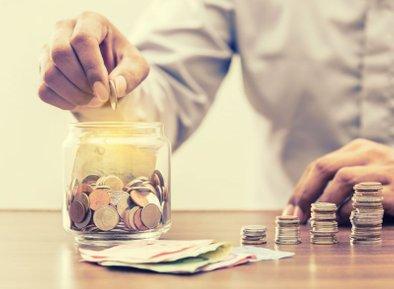 """September, oktober in november bomo na Cekin.si še posebej posvetili osebnim financam, finančni pismenosti, varčevanju, plemenitenju sredstev, primernim vlaganjem ... S projektom """"Moj Cekin"""" vam želimo pomagati pri najpomembnejših življenjskih odločitvah, in sicer ne glede na to, koliko denarja imate."""