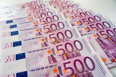 Kaj bi vi storili z denarjem, ki bi ga zadeli na loteriji?