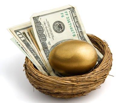 Pravilno izbrano zavarovanje je lahko na stara leta vaša kura, ki nosi zlata jajca.