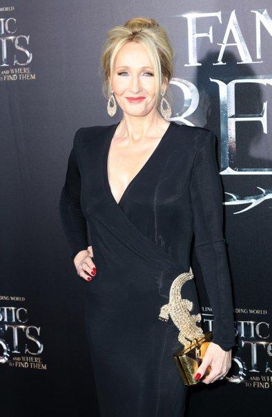 J.K.Rowling je vajena slave, a ji ta ni stopila v glavo.
