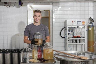 Mirza Ljubijankić je star 21 let in ima jasno vizijo o svoji podjetniški poti.