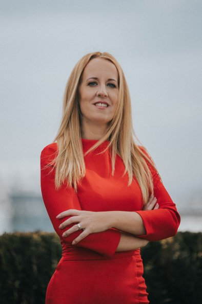 Ana Vezovišek - finančni coach