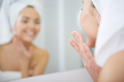Poskrbite, da kožo dobro očistite pred spanjem, in to vsekakor dvakrat.