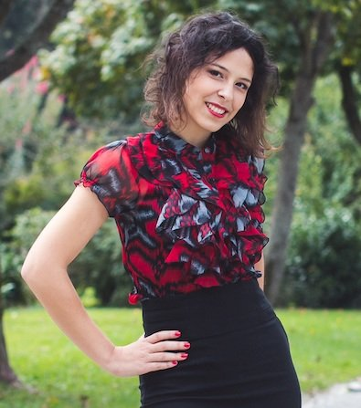 Ana Čertanec je doktorica prava in diplomirana ekonomistka, ki je izdala tudi knjigo (Ne)srečni konci. Gre za priročnik za soočanje z življenjem po razhodu zveze in pri iskanju novih priložnosti v življenju.