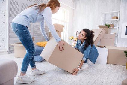 Dandanes se za eno stanovanje poteguje več ljudi, zato so zelo priljubljeni intervjuji in anketni vprašalniki.