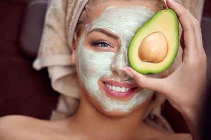 Med njegove najbolj znane učinke na kožo sodi tudi pomlajevalni učinek.