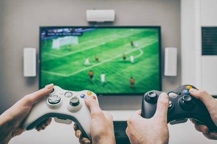Intenzivne video igre pomagajo možganom hitreje obdelati informacije.