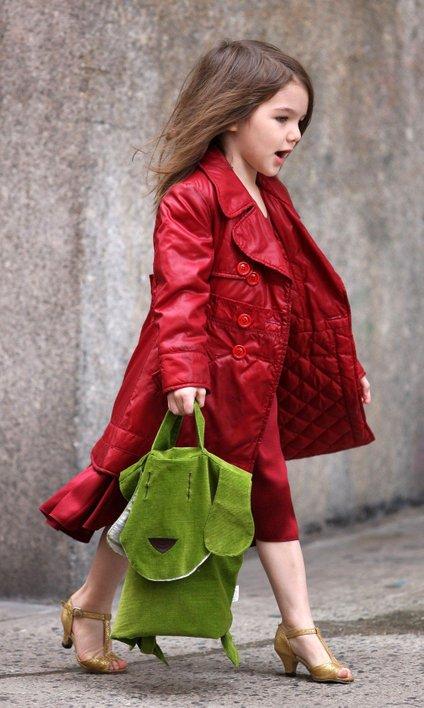Pri štirih letih se je ličila, nosila visoke pete in drage torbice.