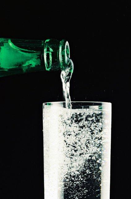 Namesto šampona uporabite mineralno vodo.