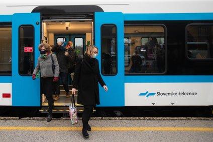 Nov Stadlerjev vlak-4