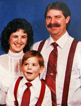 17. novembra 1987 naj bi pokončal celotno družino Dardeen - tudi komajda rojeno deklico.