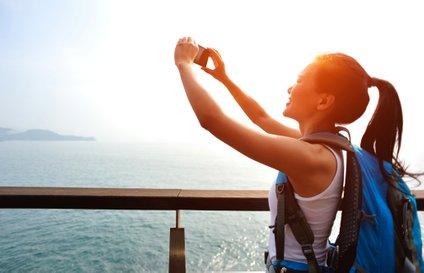 Dokumente slikajte (bančne kartice, osebne izkaznice in podobno) ter shranite v oblak, ki vam bo dostopen iz katere koli naprave.