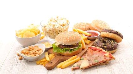 Hitra prehrana je bogata z nezdravimi maščobami.