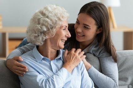 Bomo tudi po koncu epidemije pozorni na starejše?