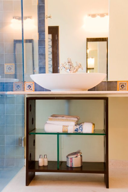 Izkoristite prostor pod umivalnikom.
