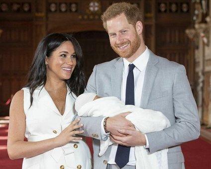 Meghan Markle in princ Harry z otrokom
