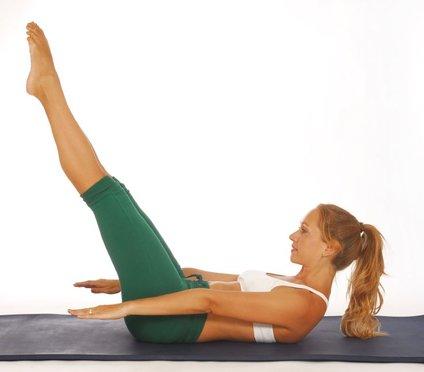 Pilates je učinkovita vadba, s katero oblikujete in utrdite svoje telo.
