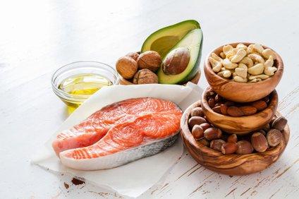 Živila, ki vsebujejo zdrave maščobe.