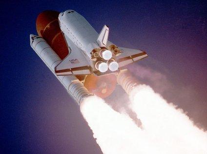 Challenger je bil Nasin drugi raketoplan, ki jim ji ga je uspelo spraviti v zemeljsko orbito. 4. aprila 1983 je uspešnoopravil svojo prvo misijo. Skupno je pred tragedijo leta 1986 opravil devet popotovanj.