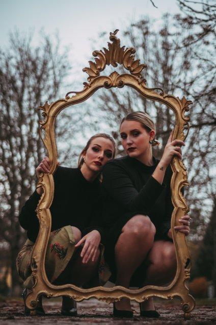 Zala in Julija si želita v prihodnosti ustvarjati tudi avtorsko glasbo.