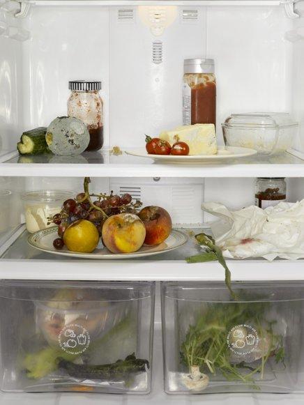 Neprijetne vonjave iz hladilnika, pomagajte si s sodo bikarbono.