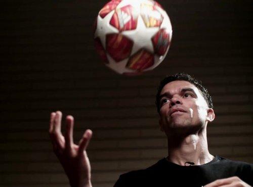UEFA Magazin Lige pravakov - 25. oddaja
